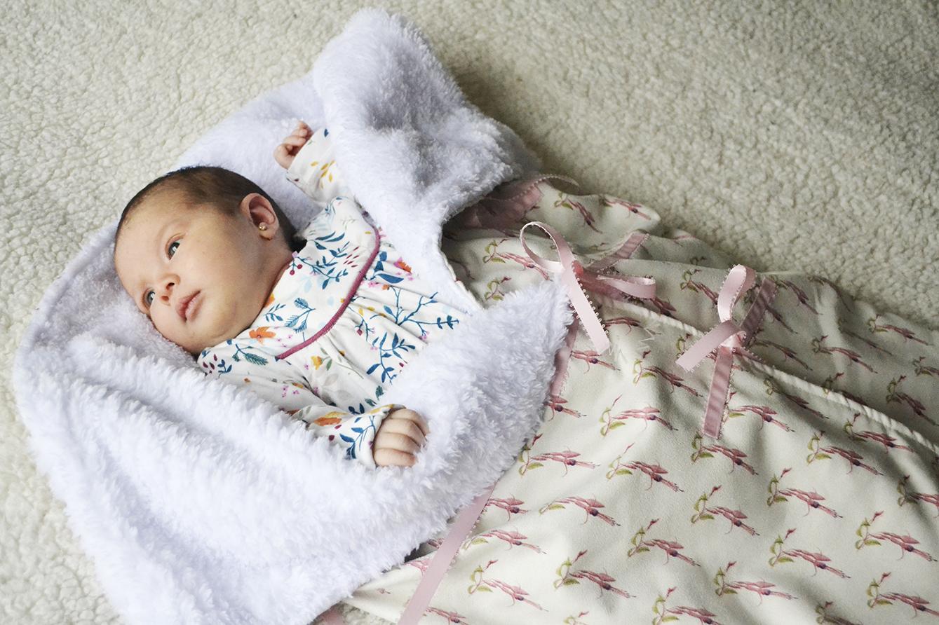 Saquito de bebe mujer.jpg