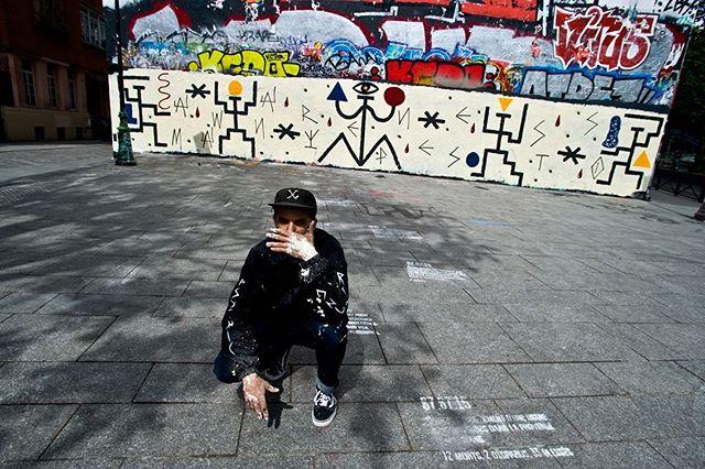 """"""" Awareness Manisfesto """" —-  mural in Paris"""