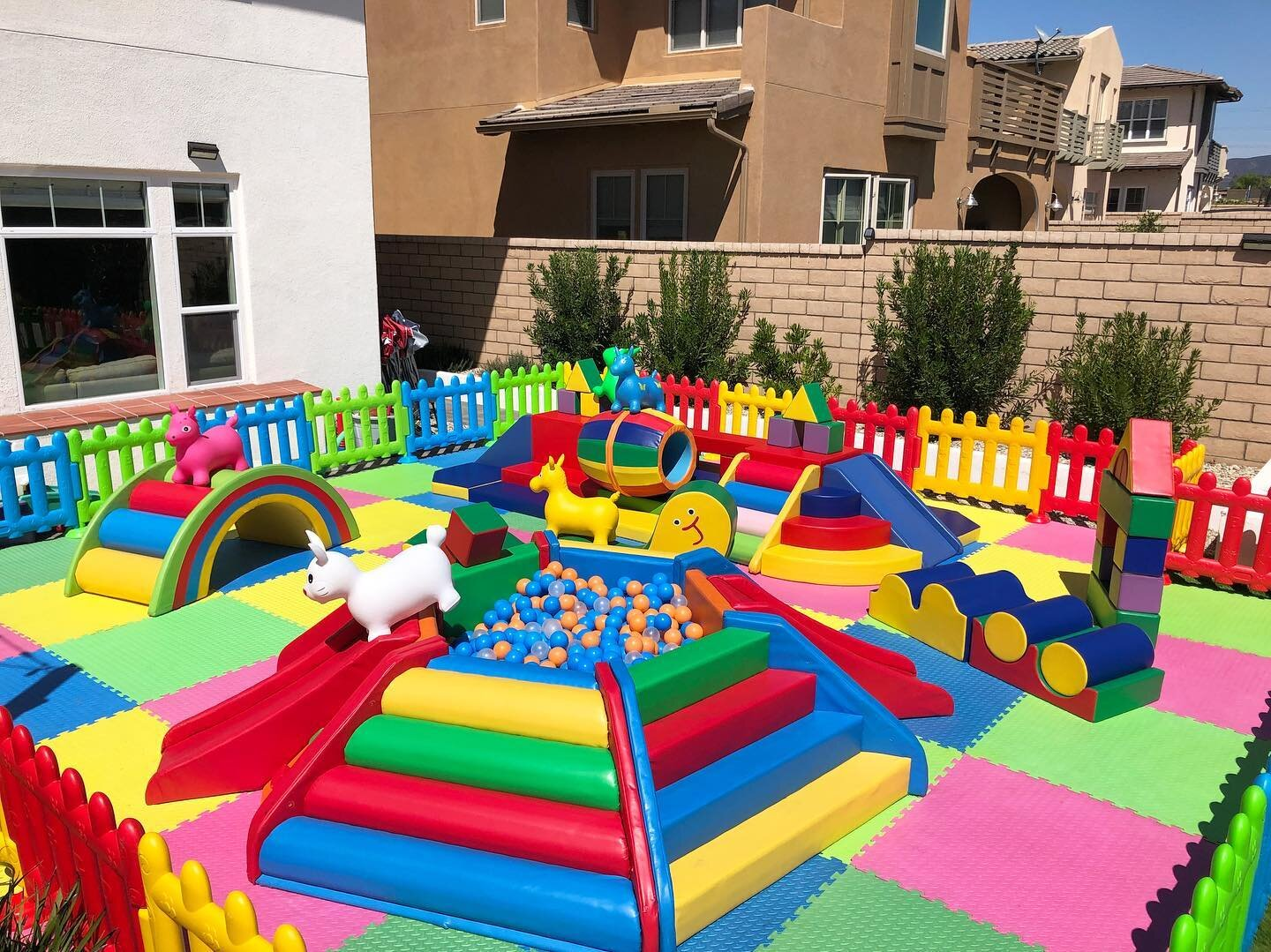 Pint-size-party-soft-play-custom-rental-package