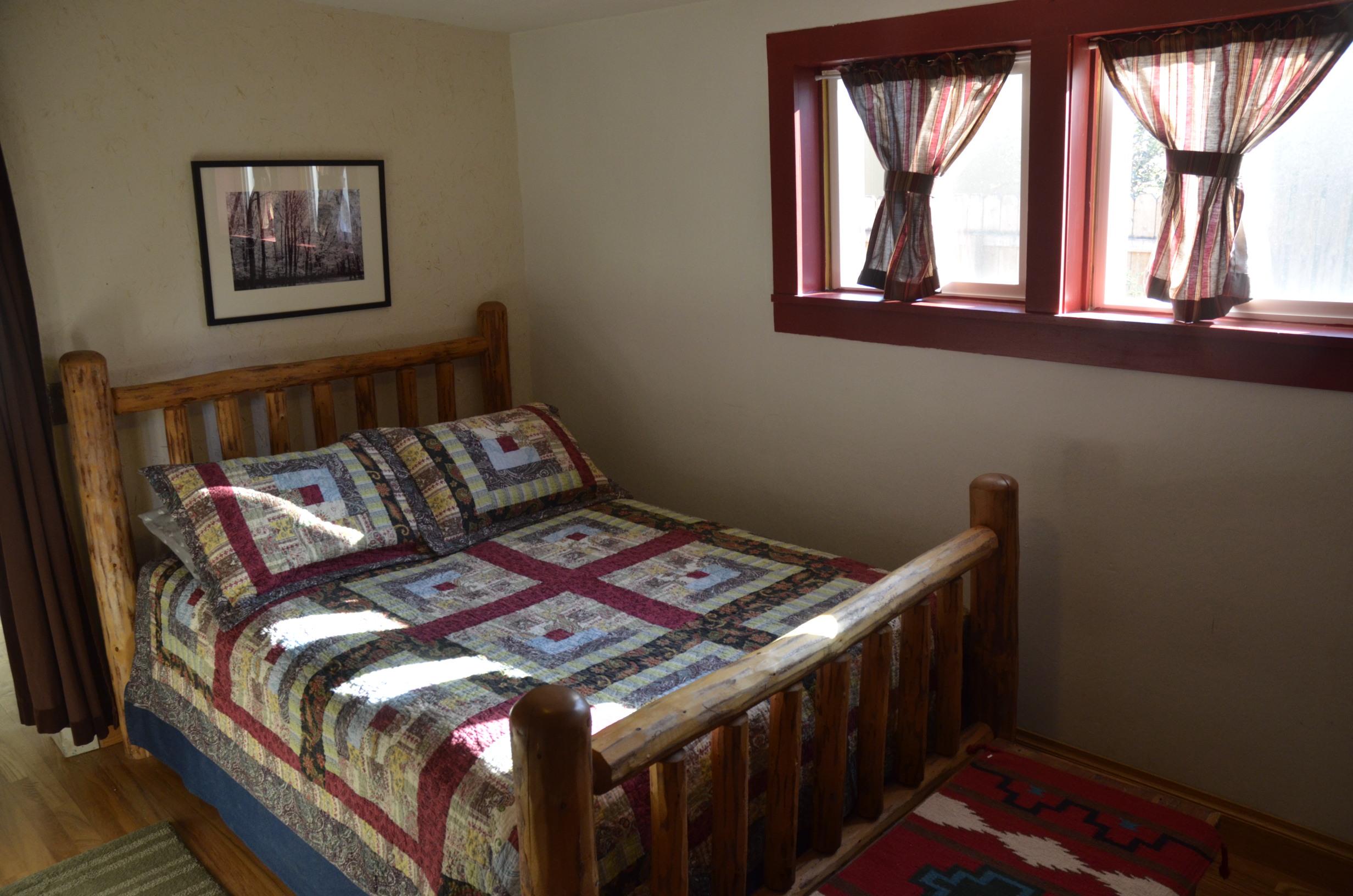 _0181730 house bedroom 2.JPG