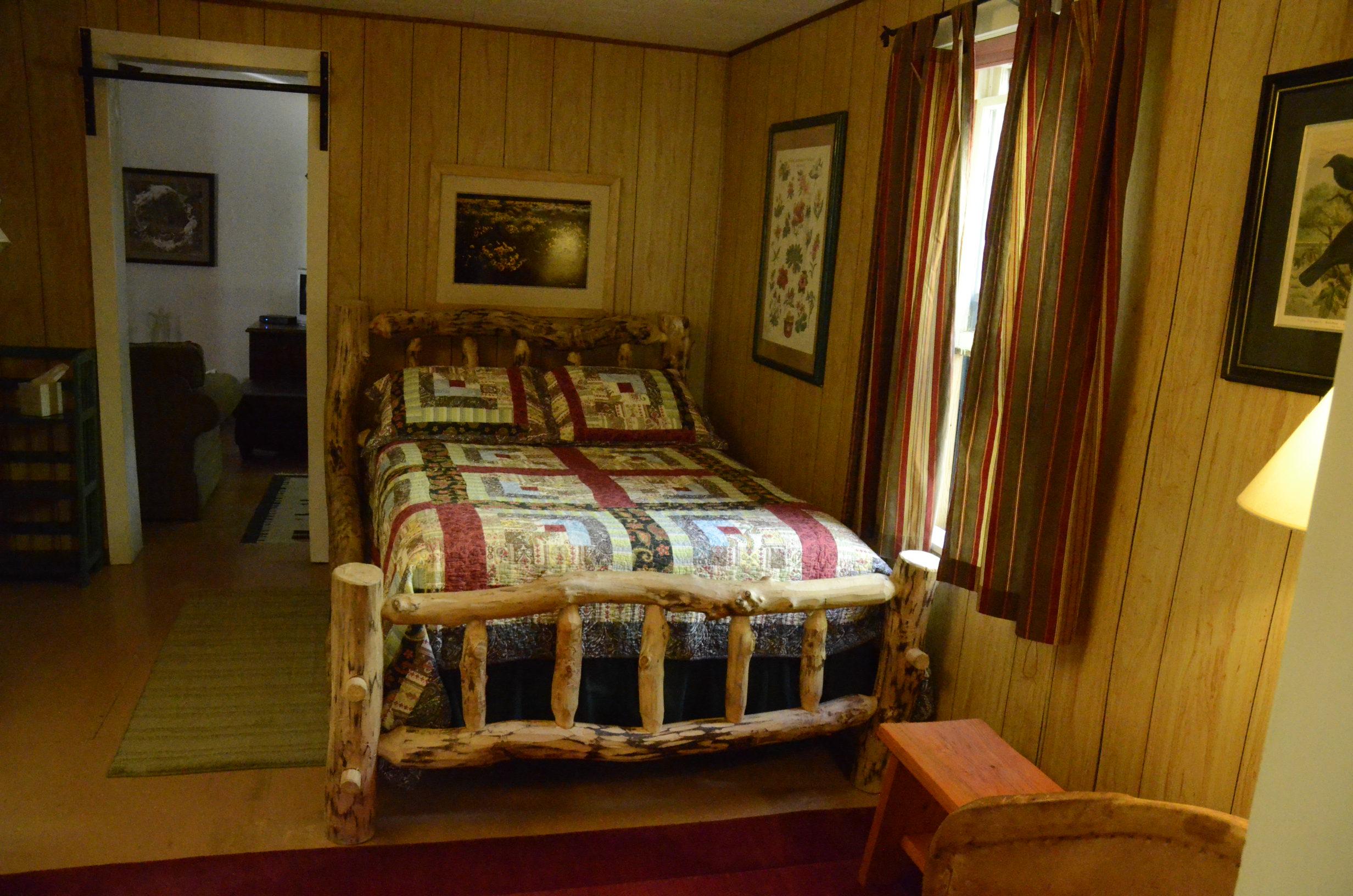 _0181736 house bedroom2 2.JPG