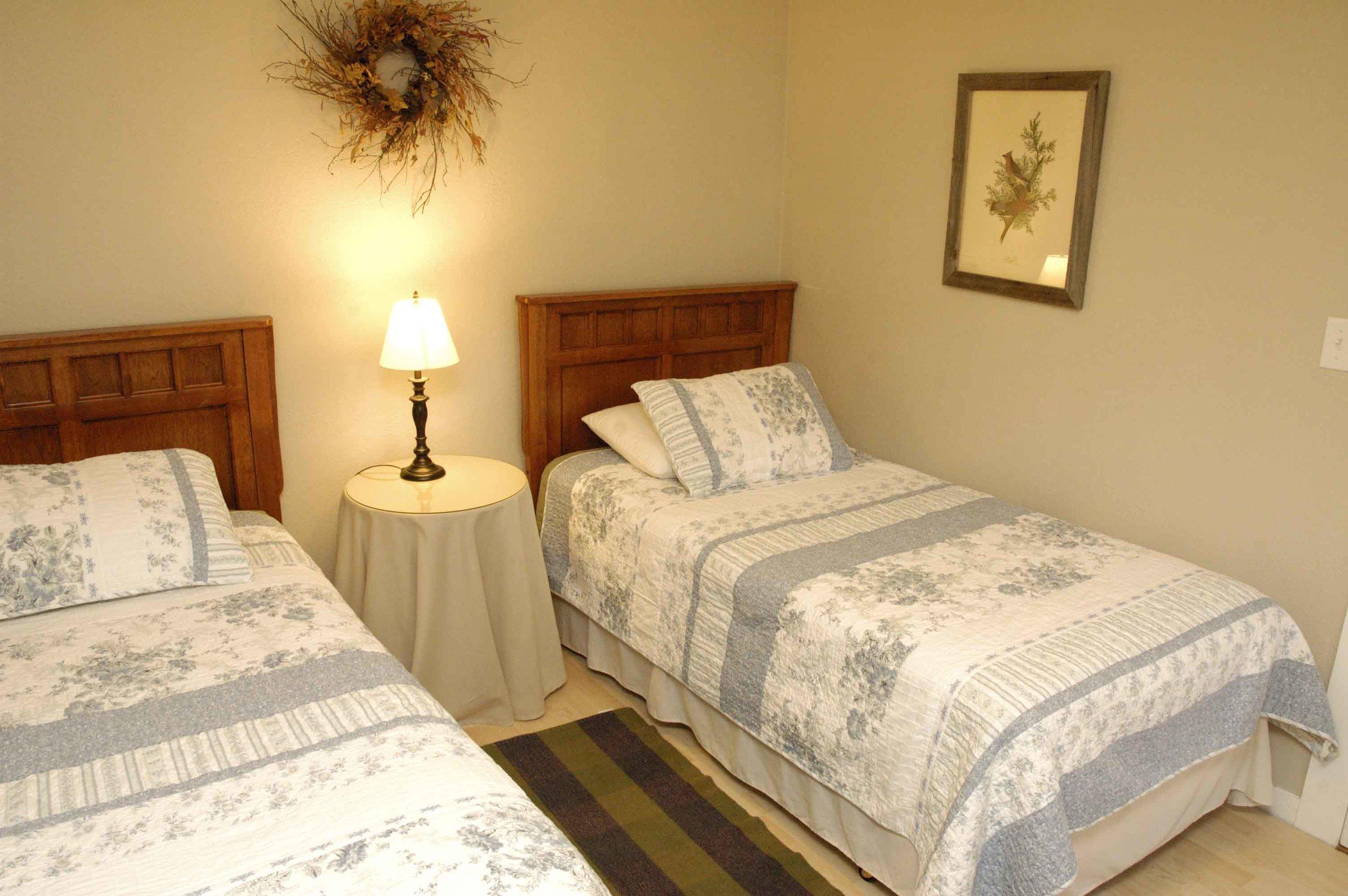_DSC6709 kingfisher bedroom 2.jpg