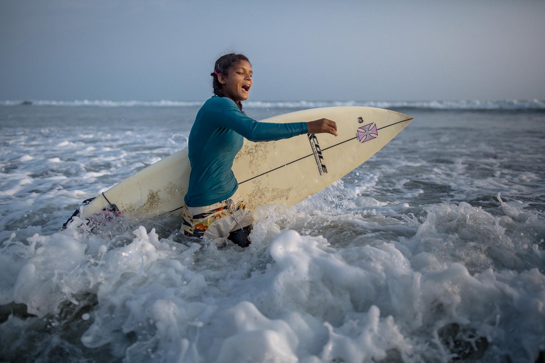 Female surfing activist, Cox Bazar / Bangladesh -2017