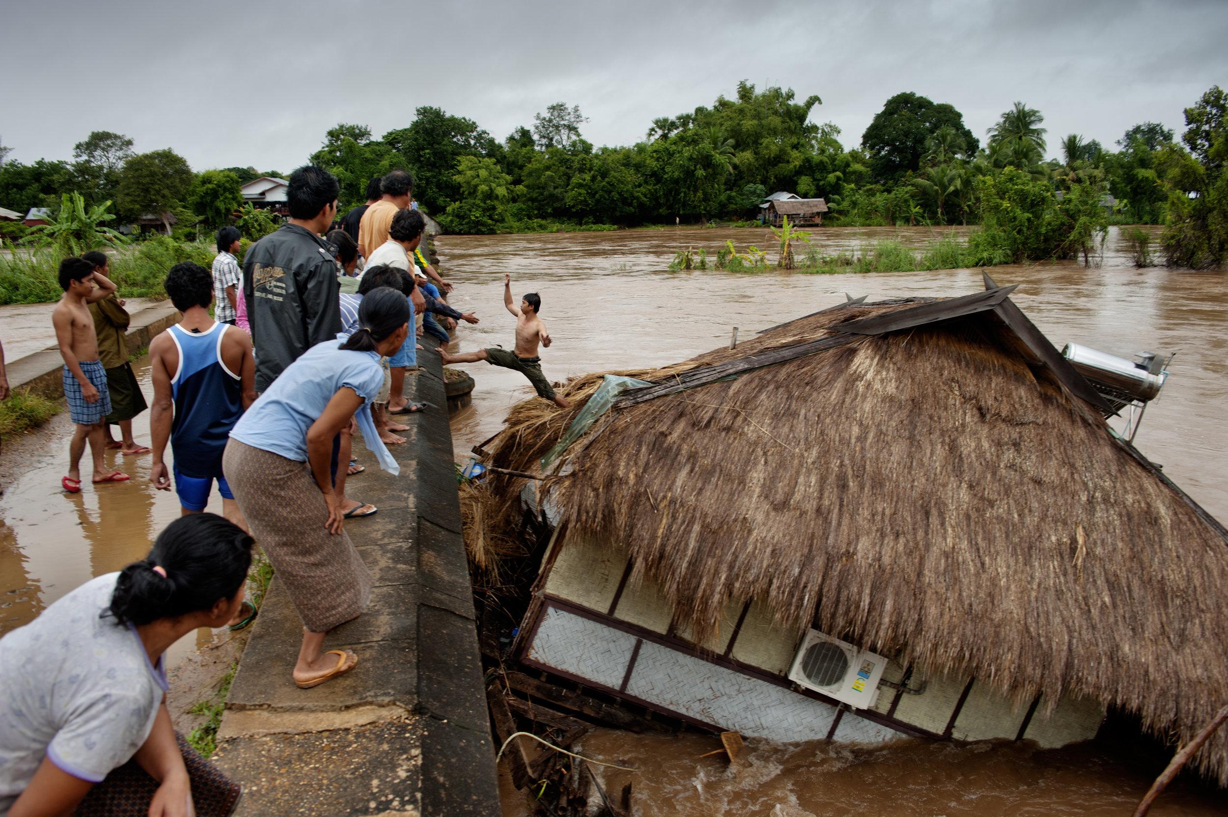 Flood at Mekong river, Si Phan Don region / Laos - 2011