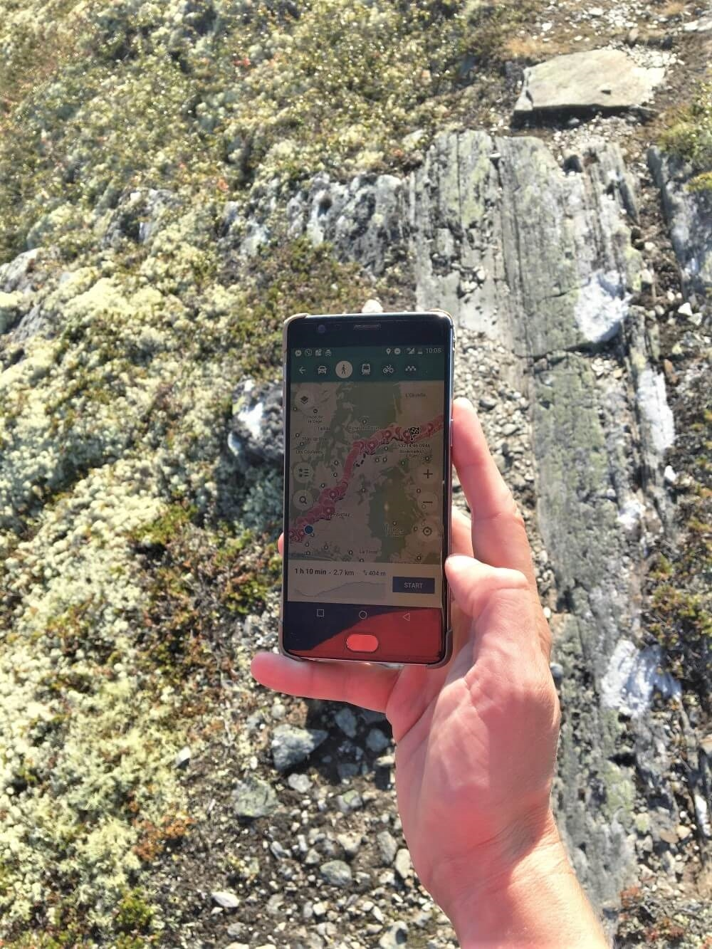 Mobile Map on the trail