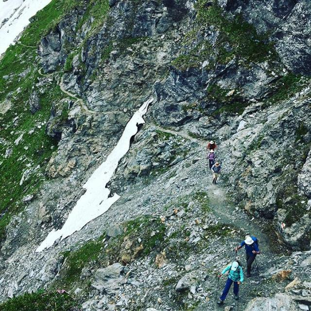 Snow across balcony:  Only experienced hikers with the right equipment should consider this section while there is snow on then trial