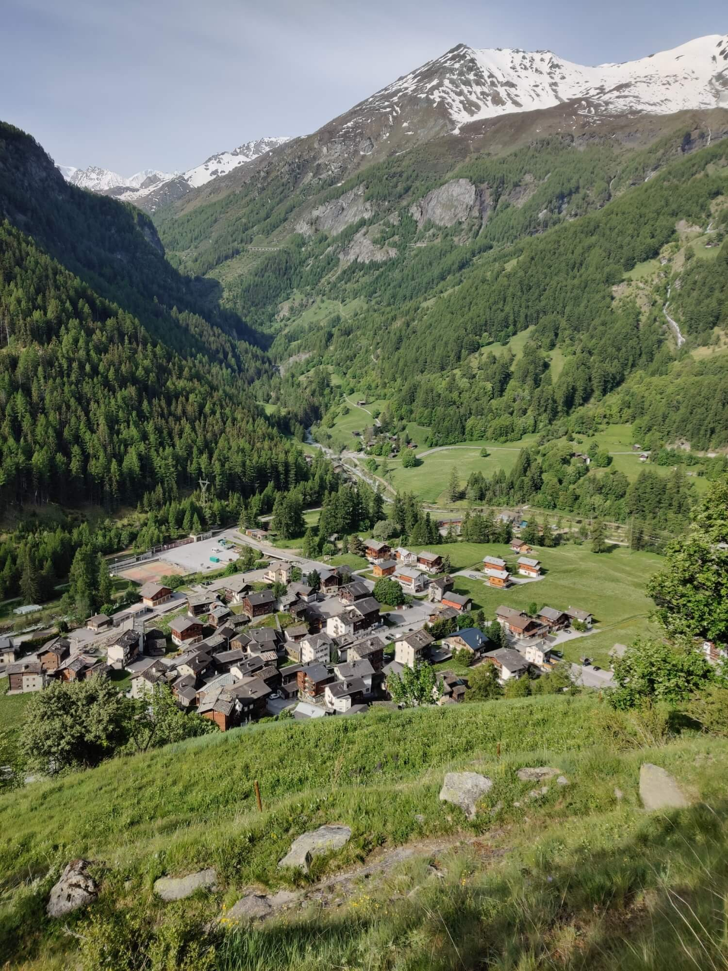 Les Hauderes:  Enjoy the snow free hiking trails from Arolla to La Sage