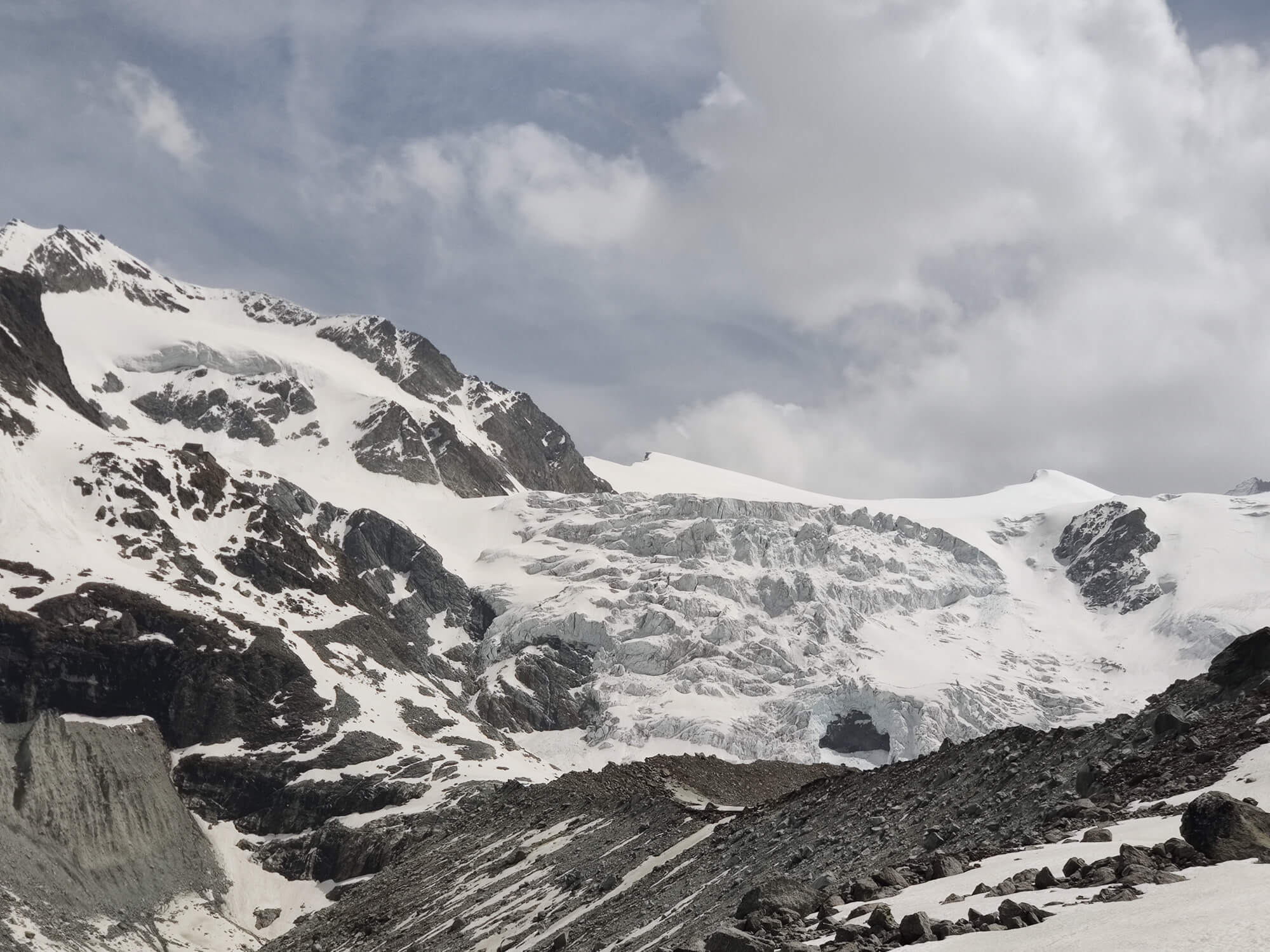 Moiry Glacier:  Can you spot the cabane on the left hand side of the glacier?