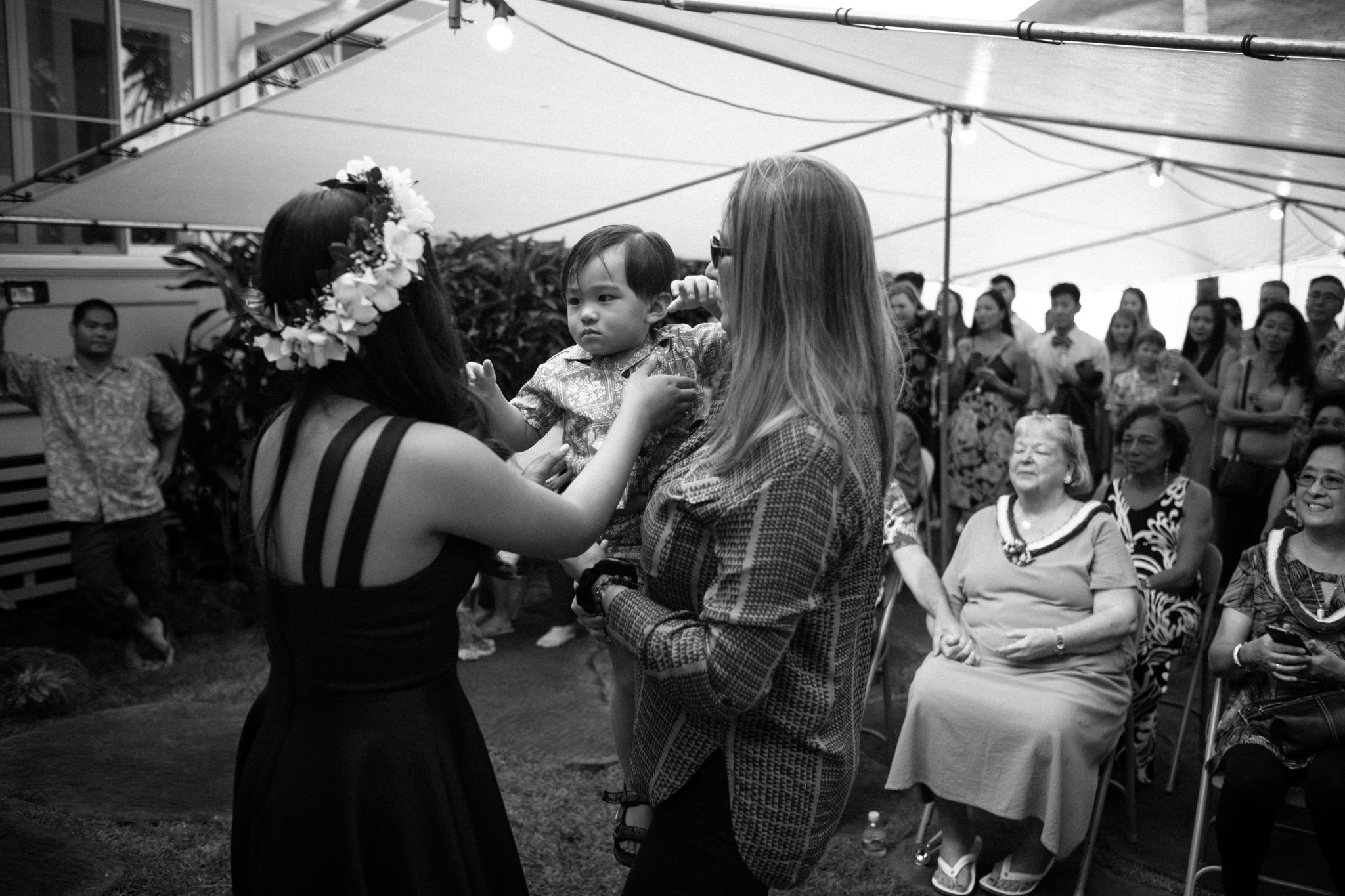 matt_emily_lanikai_wedding-33.jpg