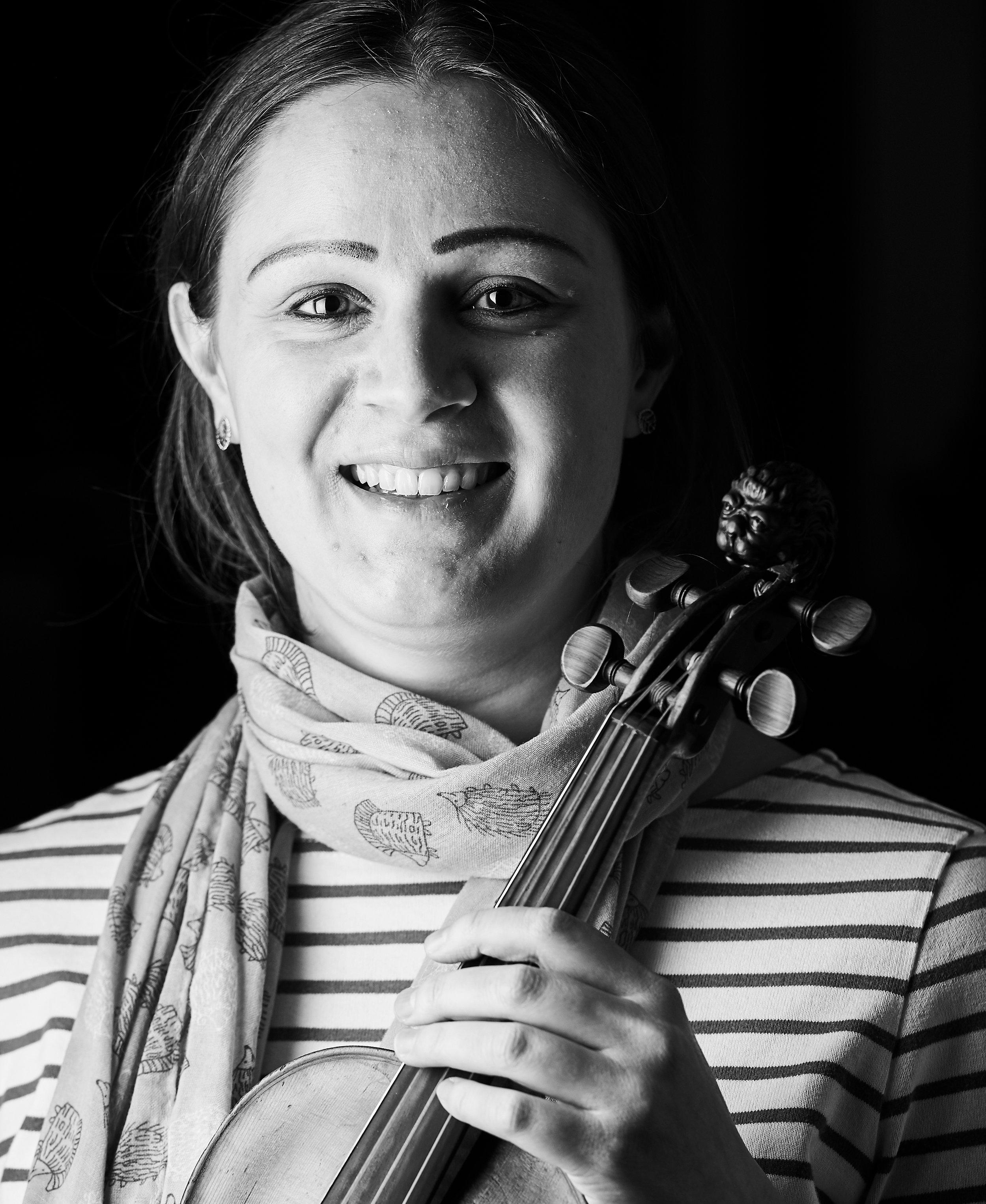 Sophie Simpson, Violin