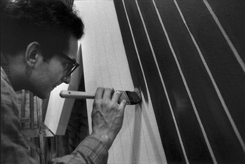 Frank_Stella portrait.jpg