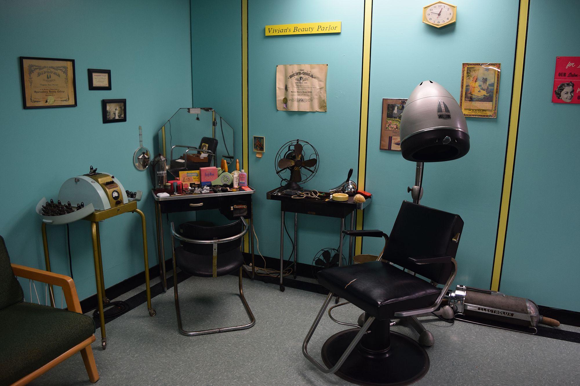 Vivian's Beauty Shop