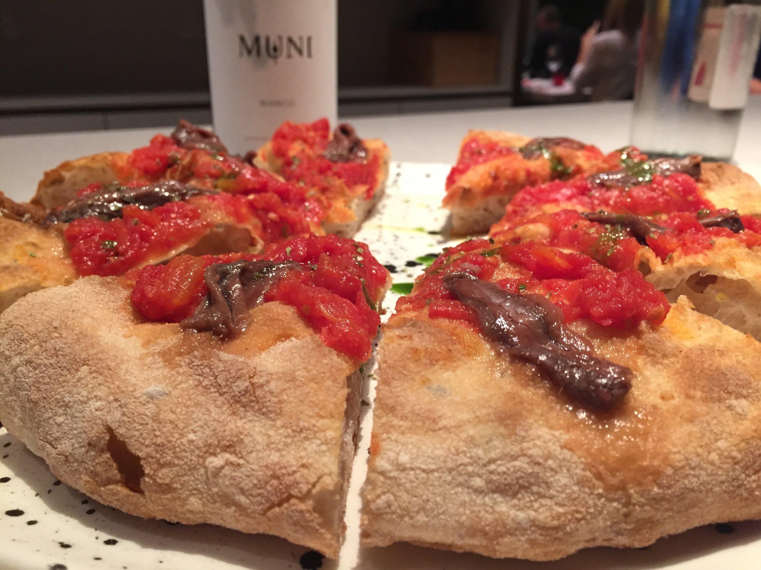 anchovy pizza i Tigli.jpg