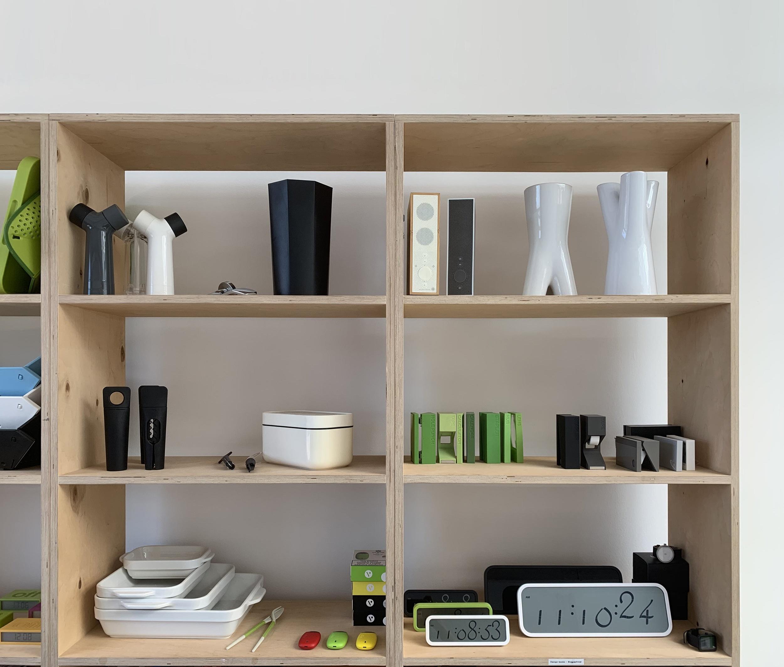 Display+cabinet+02b.jpg
