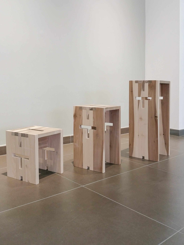 SGAMBELLO - S 30 x 25 x 25 | M 45 x 25 x 25 | L 65 x 25 x 25 cmSgabelli in legno massello di toulipier, disponibili in 3 dimensioni.design by Rocco J. Mazziotta