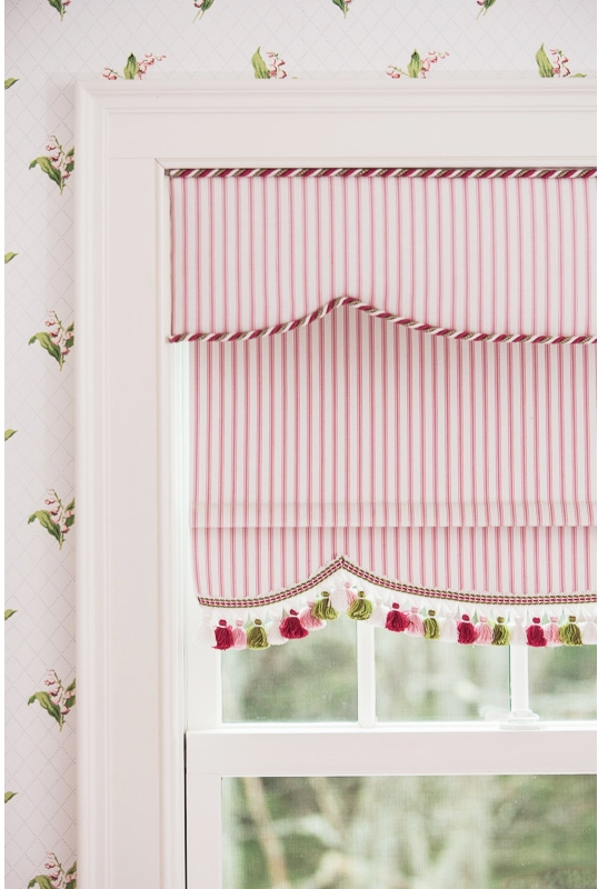 Cottage Flair Girls bedroom window detail copy.jpg