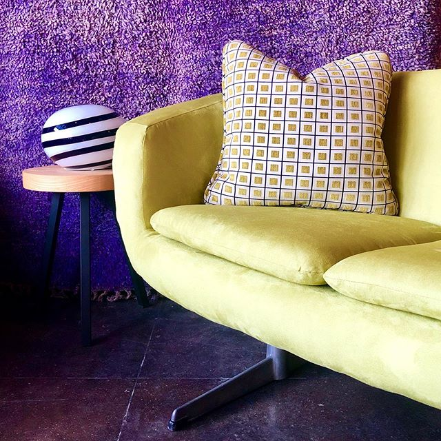 Latest additions: Lime velvet #overman pod sofa and #iludivetro Zebra Lamp...2 items that look Italian but are actually Swedish and Dutch respectively 💡💡💡