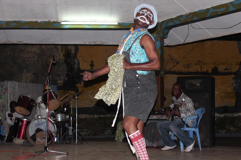 Azé Kokovina, The clown, Lomé, 2013. @Gaétan Noussouglo