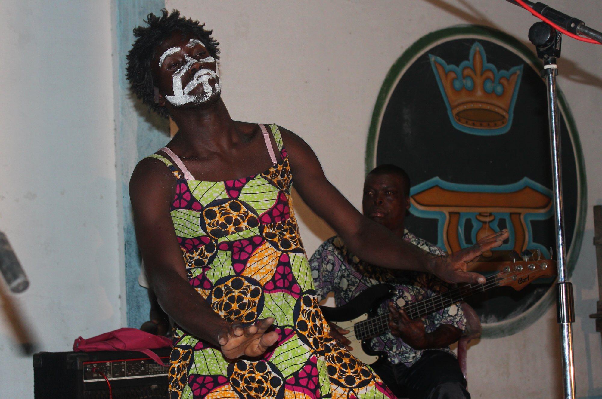 A scene of concert-party, Lomé, 2013. @Gaétan Noussouglo