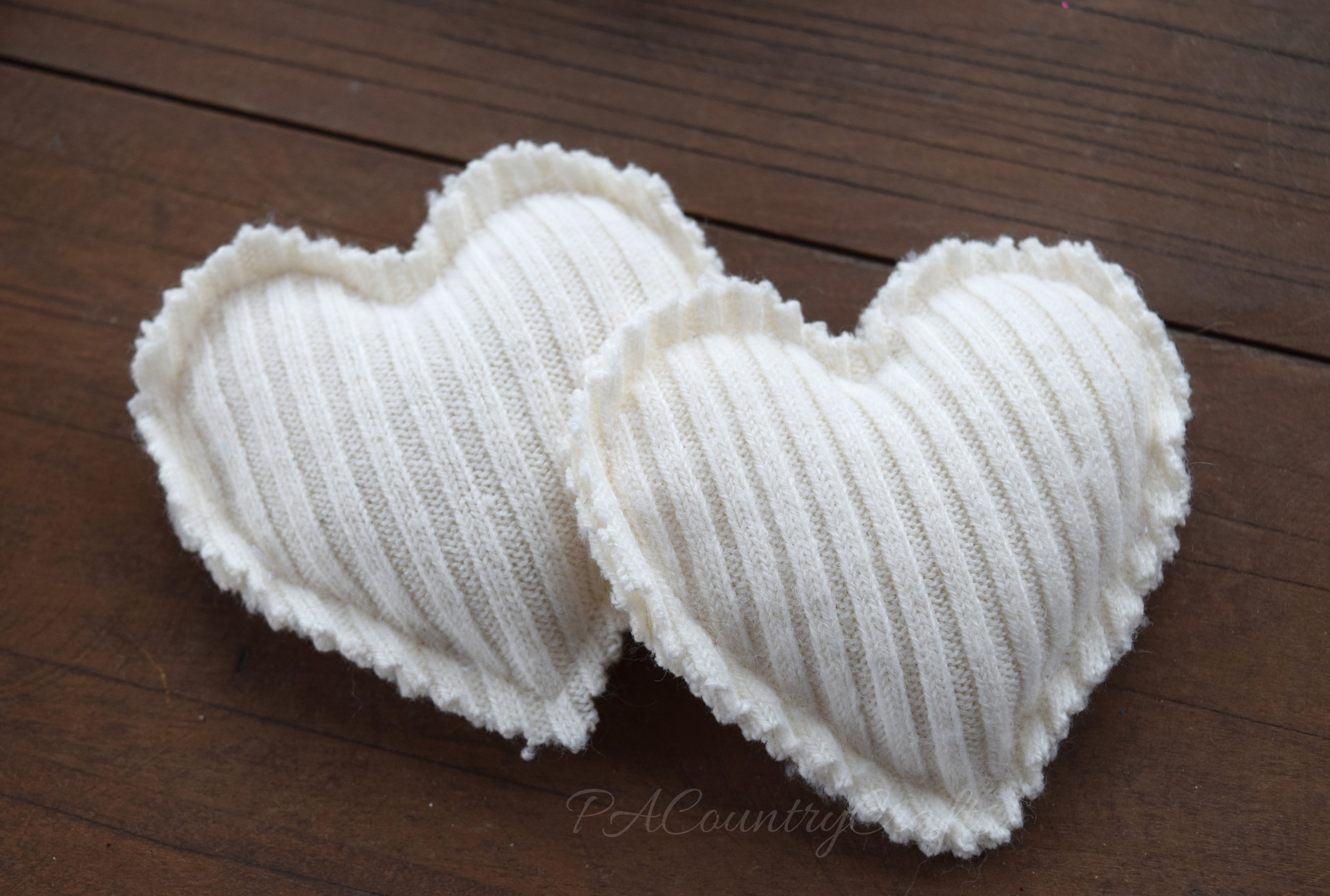 How to make hand warmers from old sweaters
