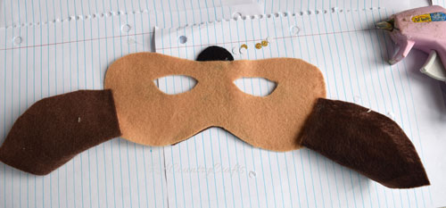 attach-ears-to-deer-mask.jpg