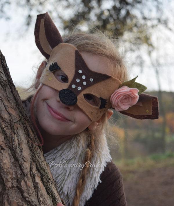 Pretty felt deer mask for a girls' costume