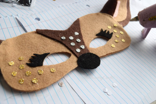 glitter-spots-deer-mask.jpg
