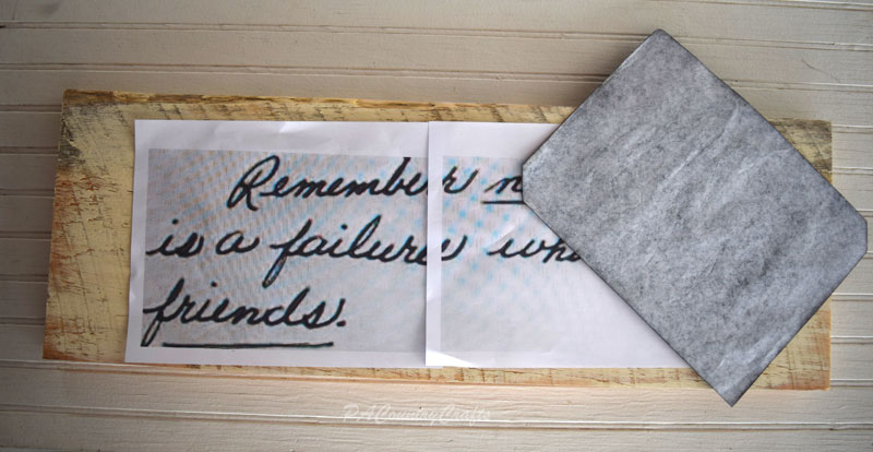 Use carbon paper to transfer handwriting to wood