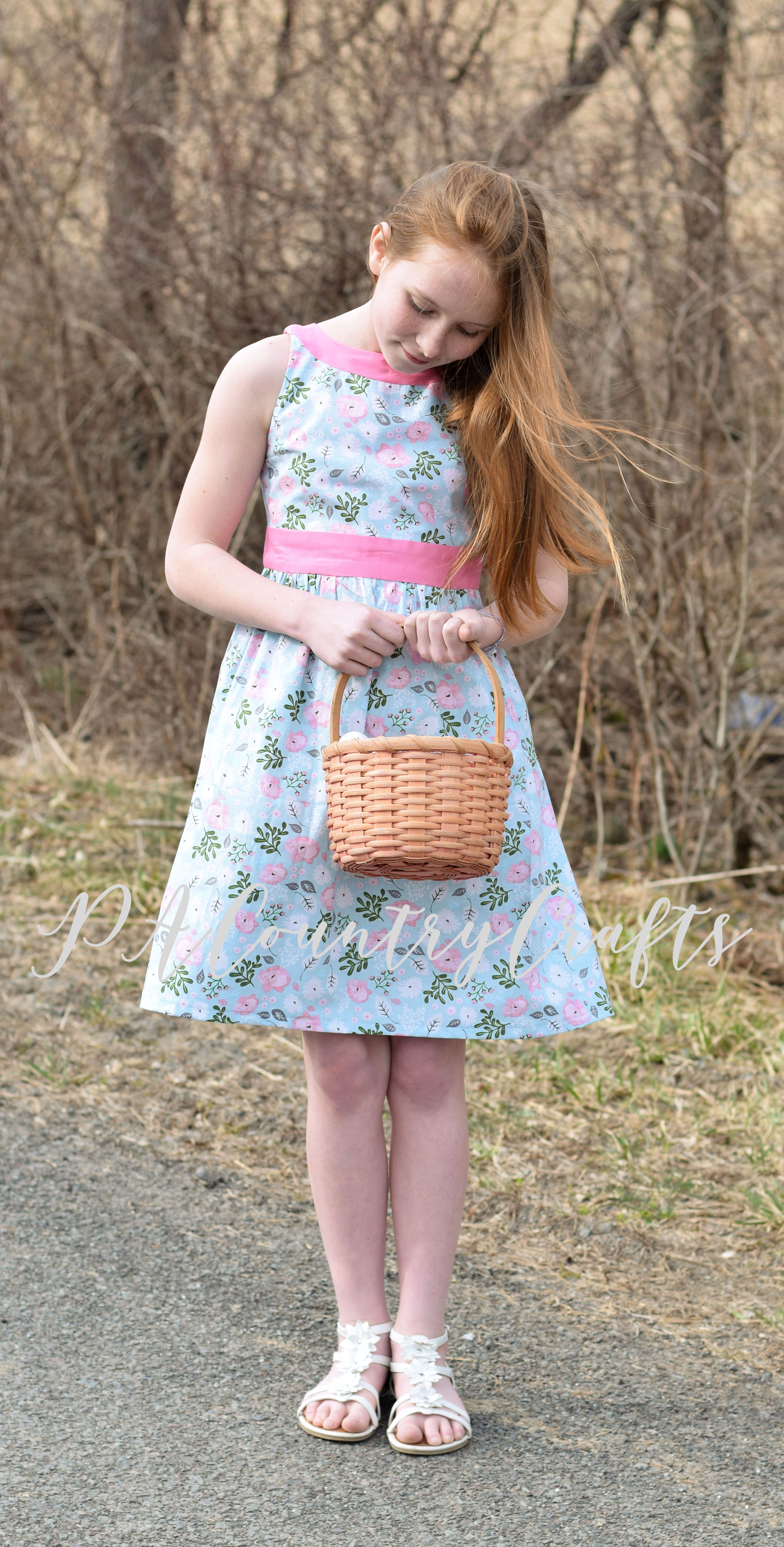 Juniper Dress pattern in sizes 2-14 by Sofiona Designs