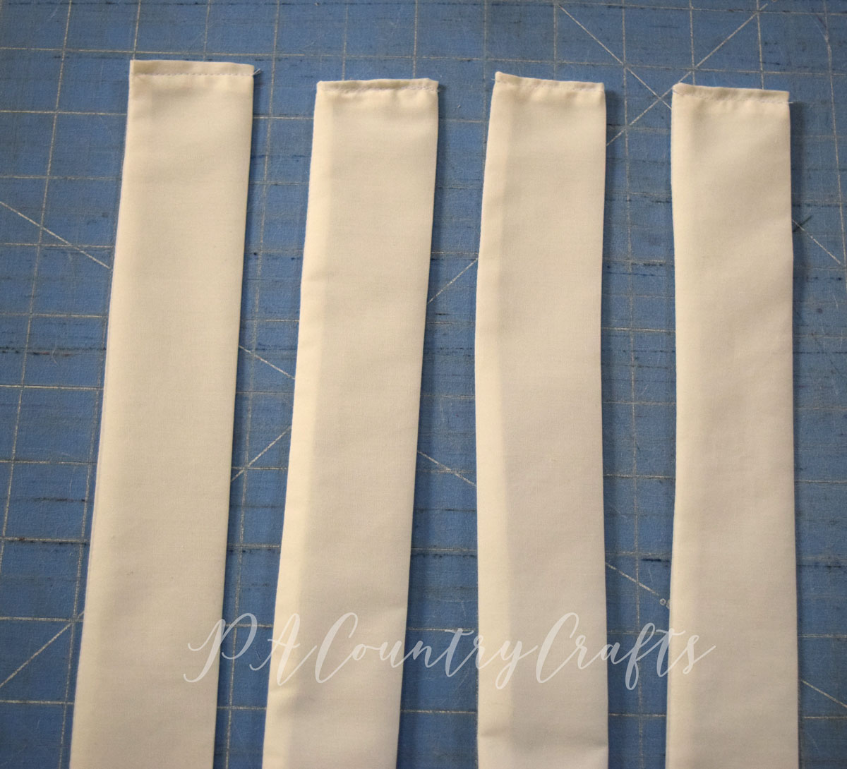 How to sew a market basket liner with adorable bows on the sides!
