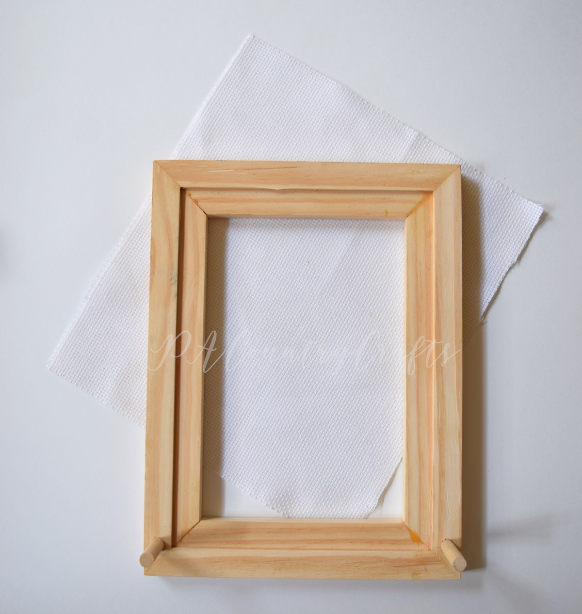 How to make an earring holder from a wood frame