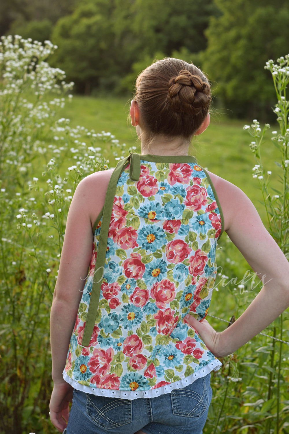 Girls tank top made with quilting cotton and eyelet lace trim- Sofiona Designs Lynx pattern hack
