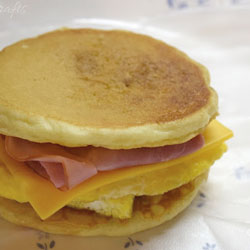 Freezer Pancake Breakfast Sandwiches