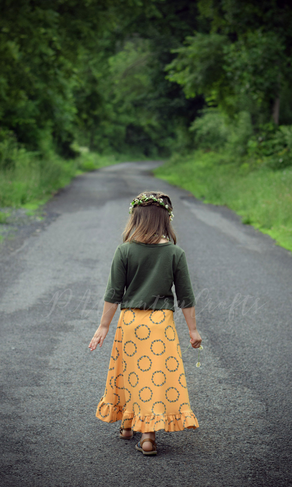 I love this girls skirt made of Clover Chains DBP for Project Nature Adventure
