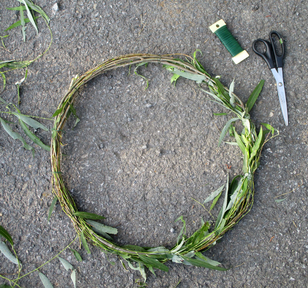 Make a fall wreath using weeds and flower trimmings!