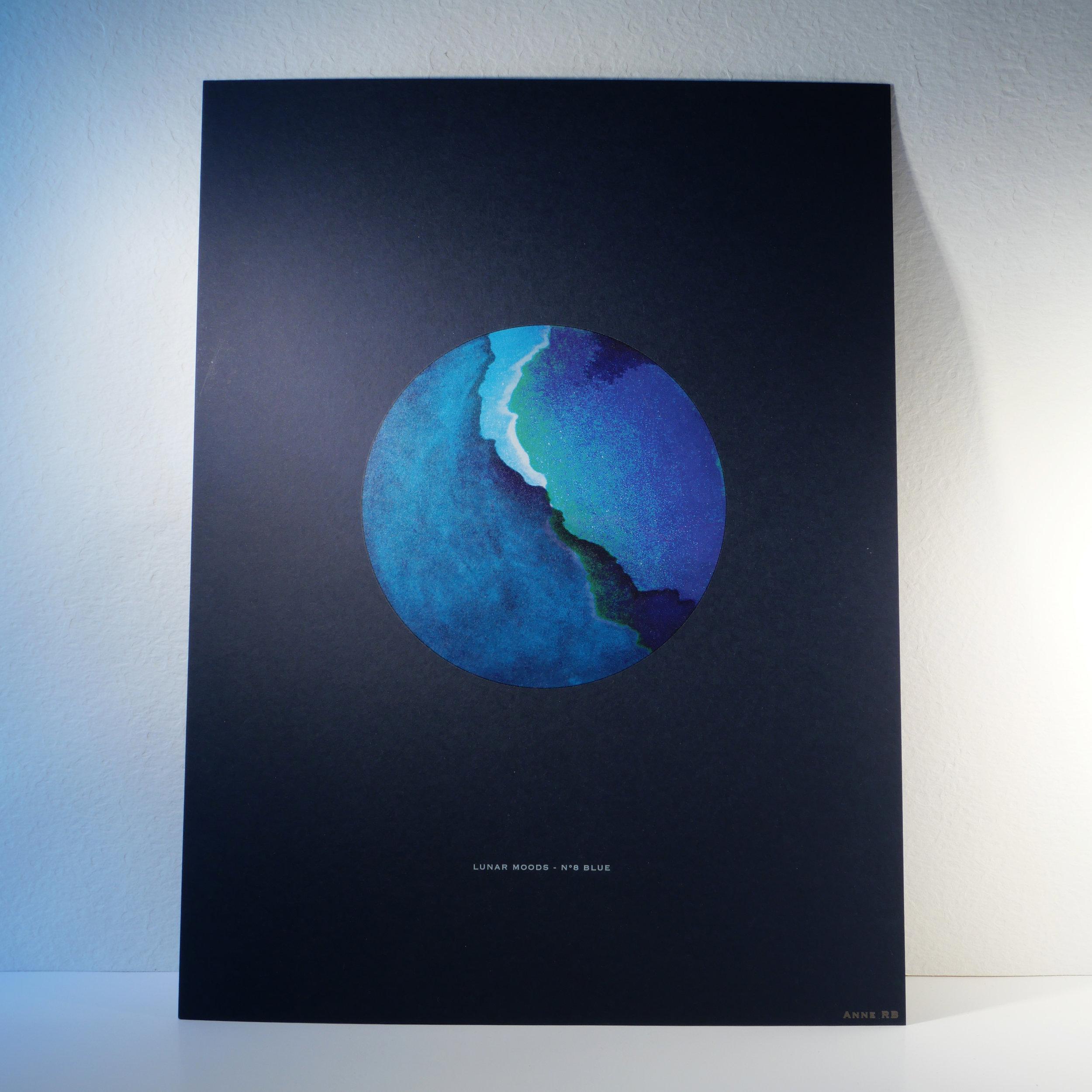 Packshot Blue.jpg