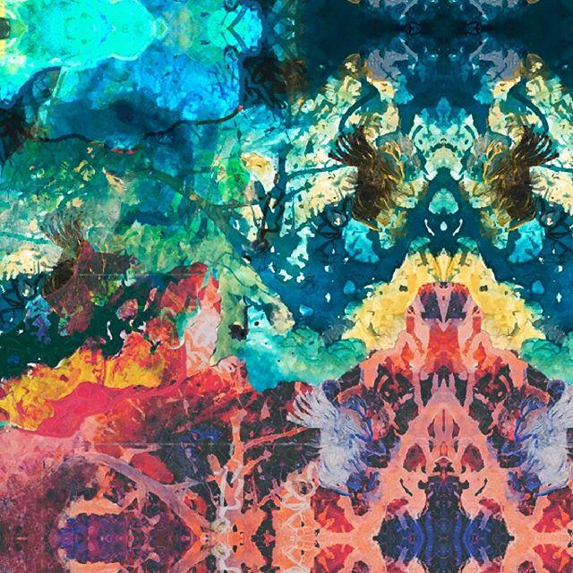 TOTEM - Good Night 🧚🏽♀️ . .  #painting #fantasyart #acrylicpainting #digitalart #pattern #mixedart #mixedmediapainting #totem #inkpainting