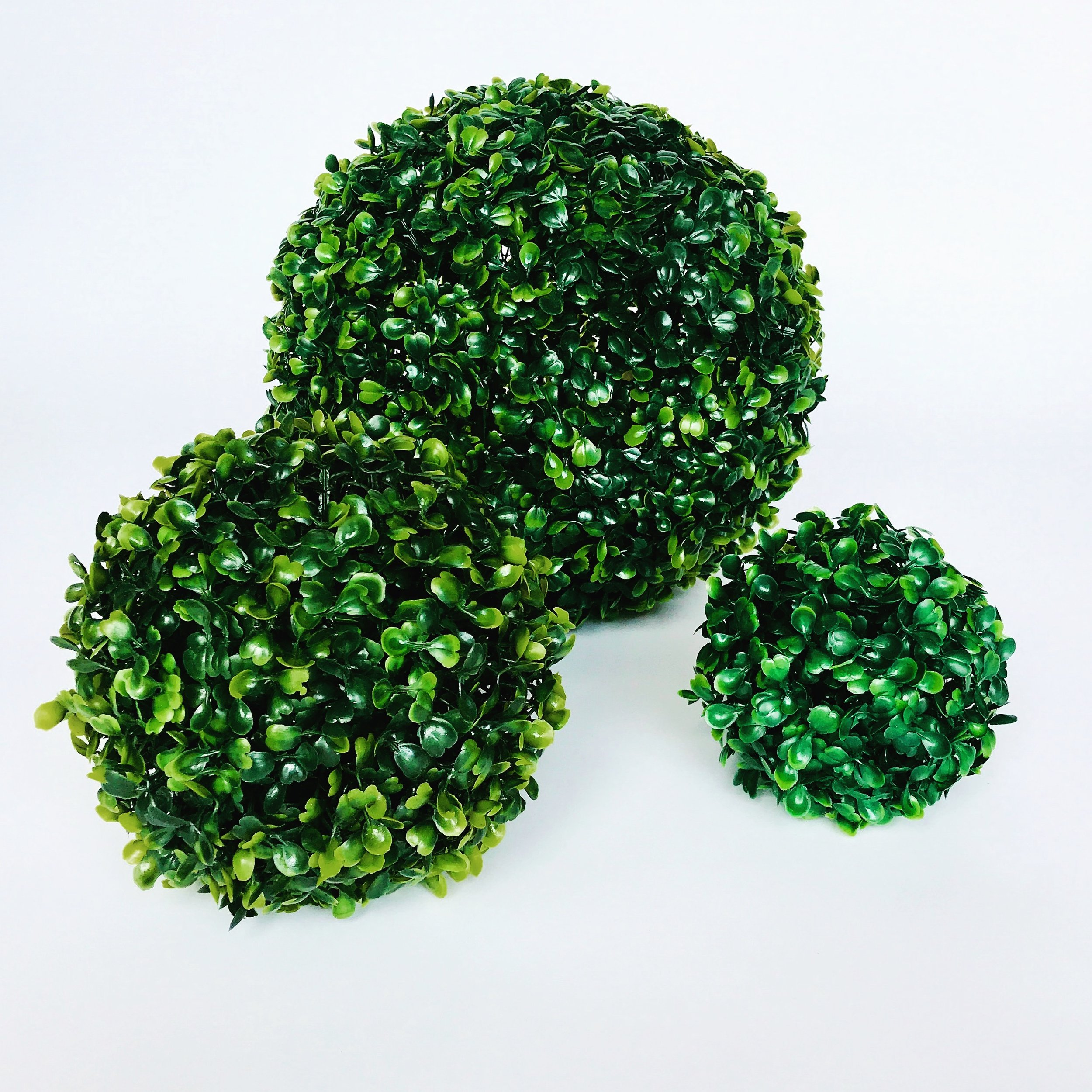 Boxwood Ball Set.JPG