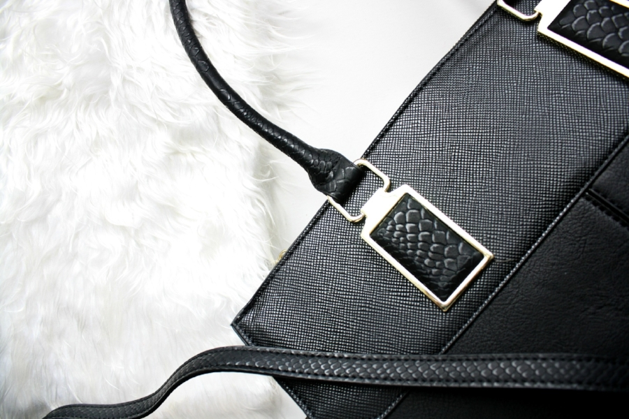 Designer Handbags - Top quality handbags from well-known designer brands. These handbags are a treasure, and they're being sold at liquidation prices!