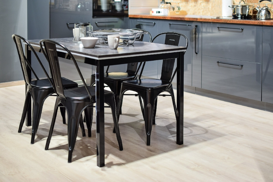 Dining Chairs & Sets - Elegant, modern kitchen and dining room furniture that's priced to sell fast. These are quality items that will add value to any room.