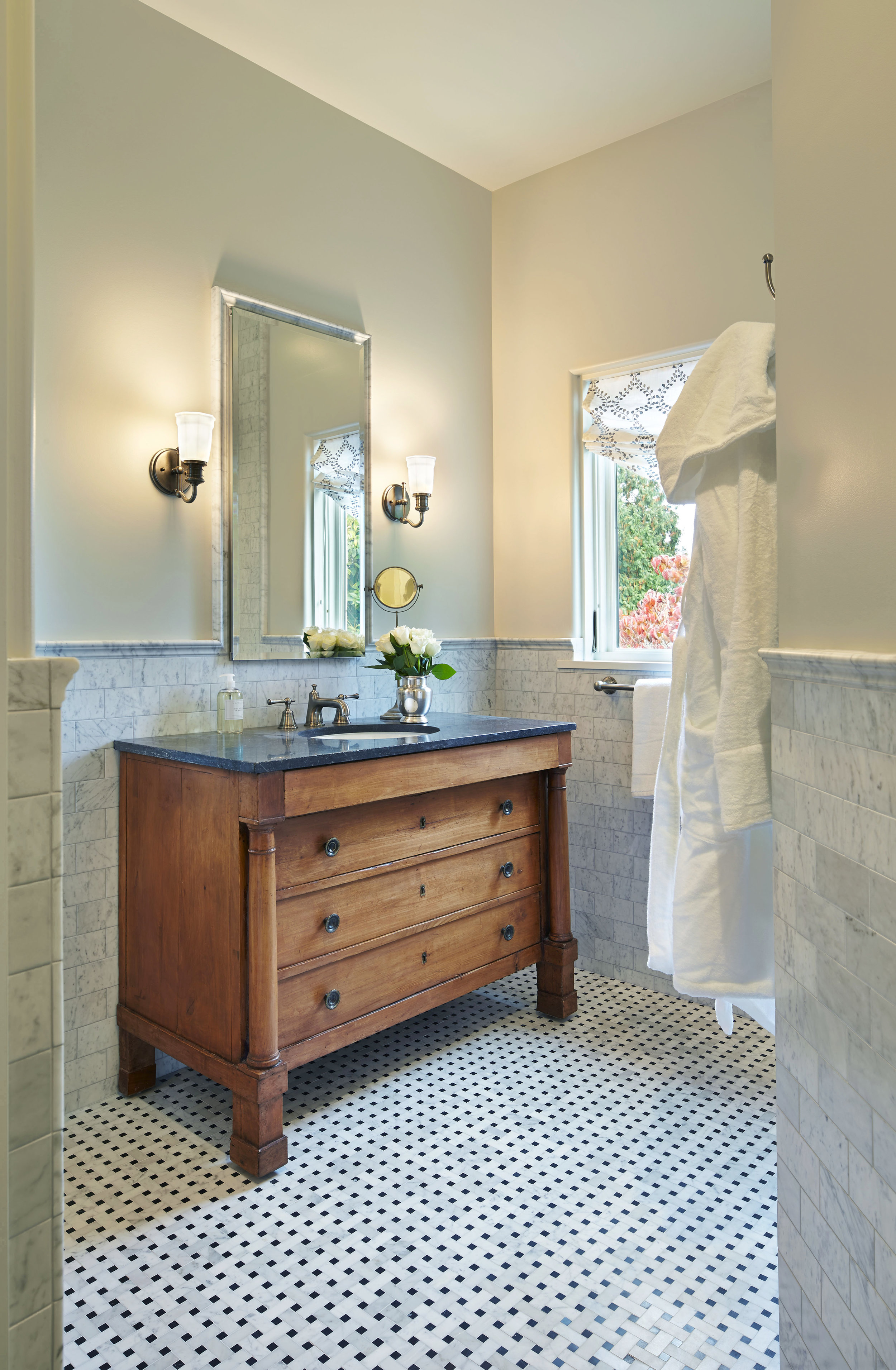 Hyde Evans Design_Interior Design Seattle_Kitchen and Bath Design_Medina 01.jpg