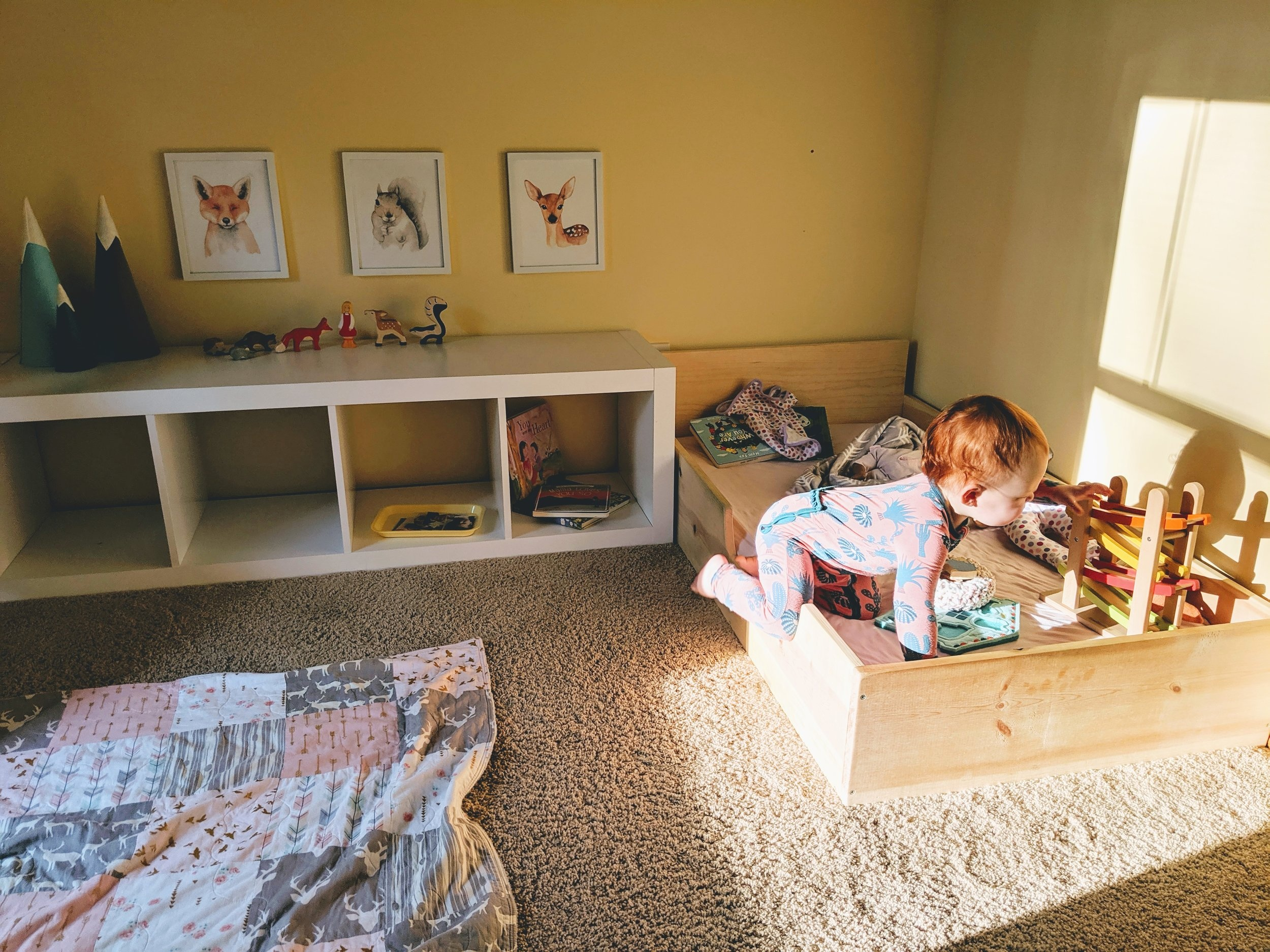 Self-Soothing+and+the+Montessori+Floor+Bed+-+Montessori+in+Real+Life
