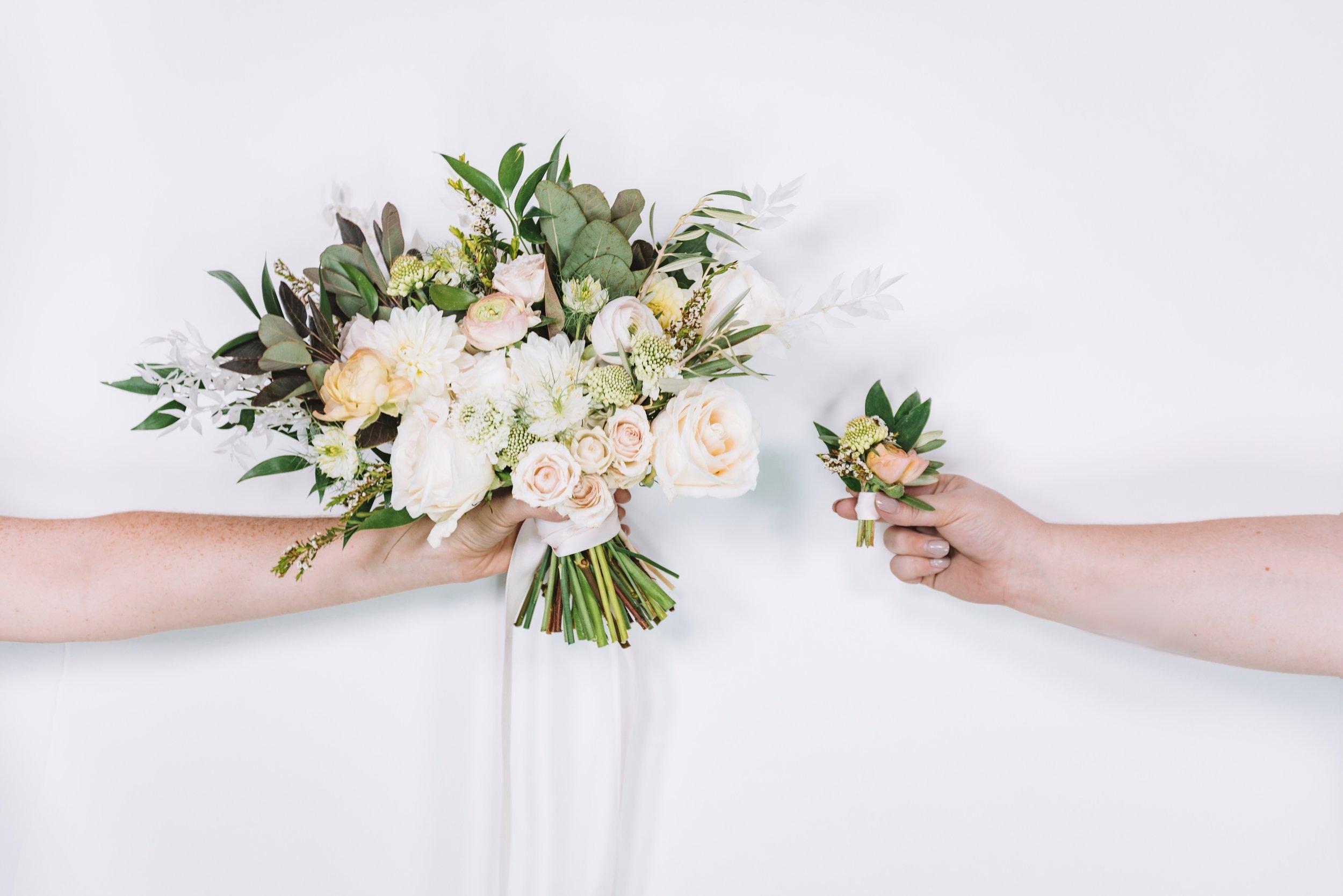 WeddingFloral-NoTattoos4.jpeg