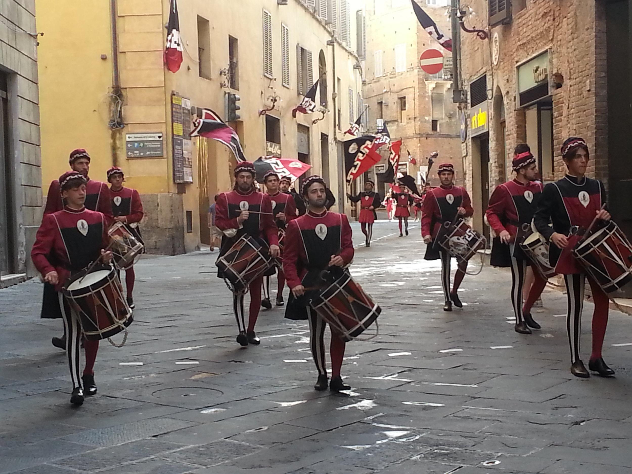 Siena parade drummers.jpg