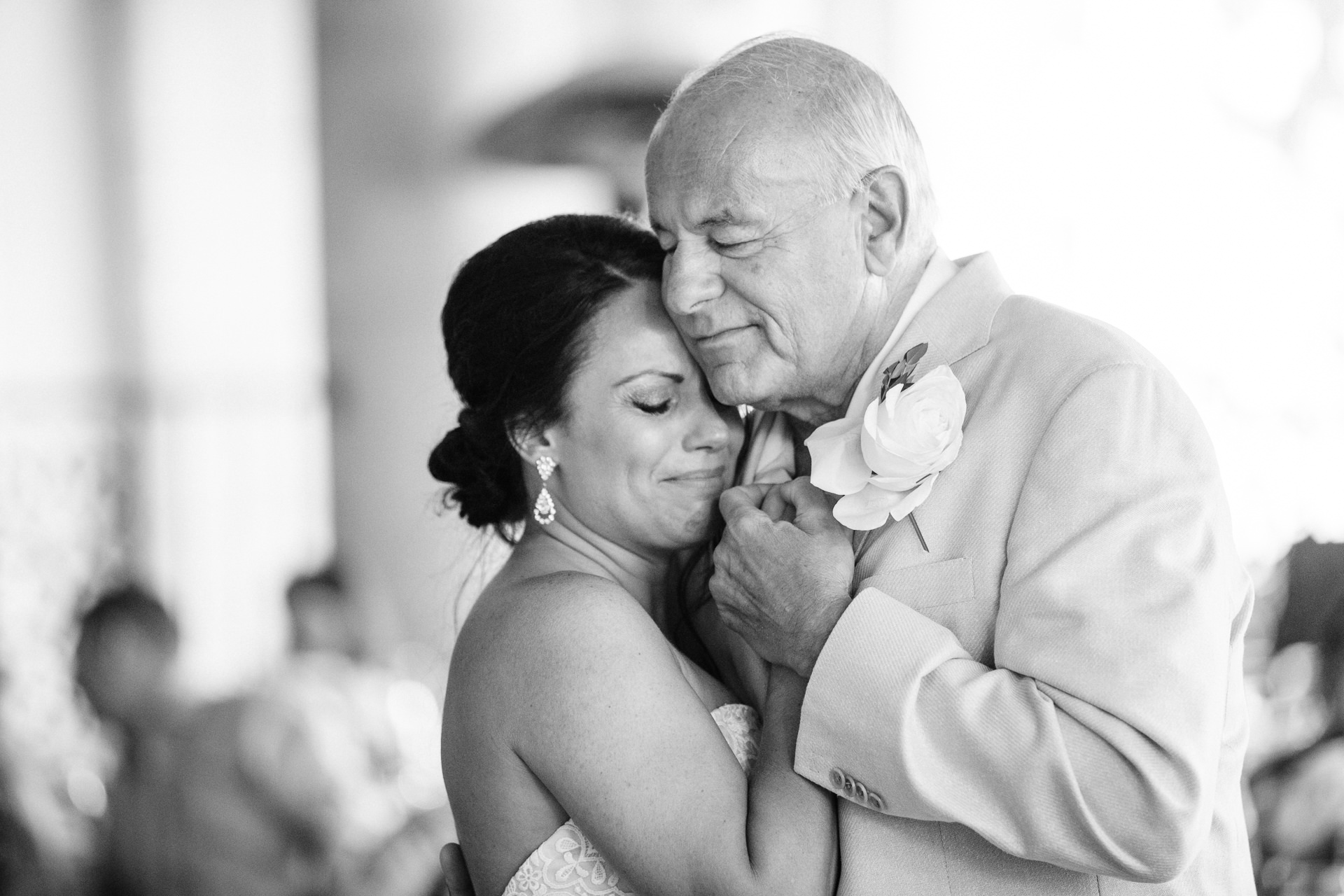 Grant Beachy Tammy Chris wedding photography goshen Saint Joseph veranda whitcomb-069.jpg