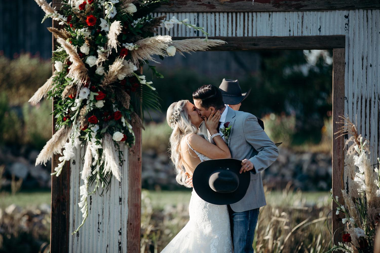 grant beachy wedding photographer goshen elkhart south bend warsaw -037.jpg