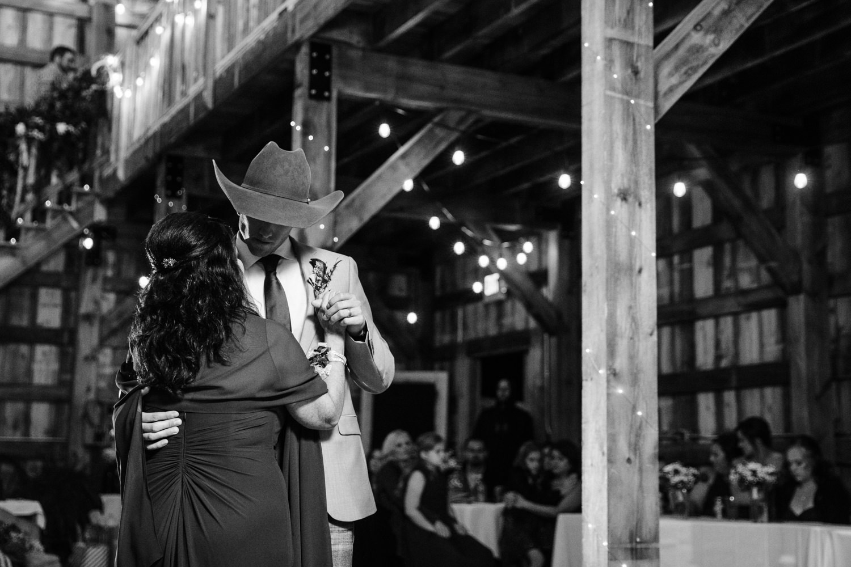 grant beachy wedding photographer goshen elkhart south bend warsaw -054.jpg