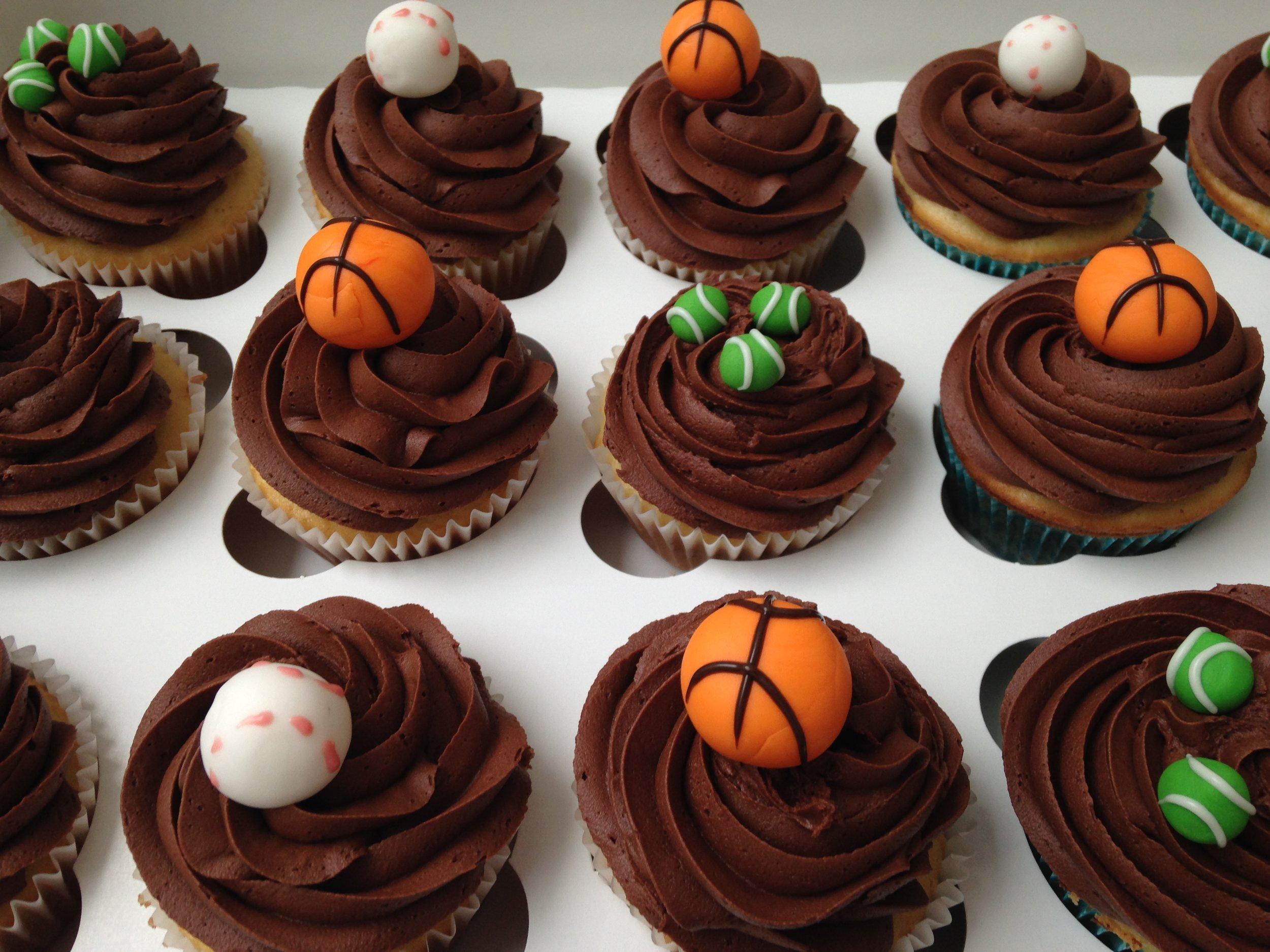 sportscupcakes2.jpg