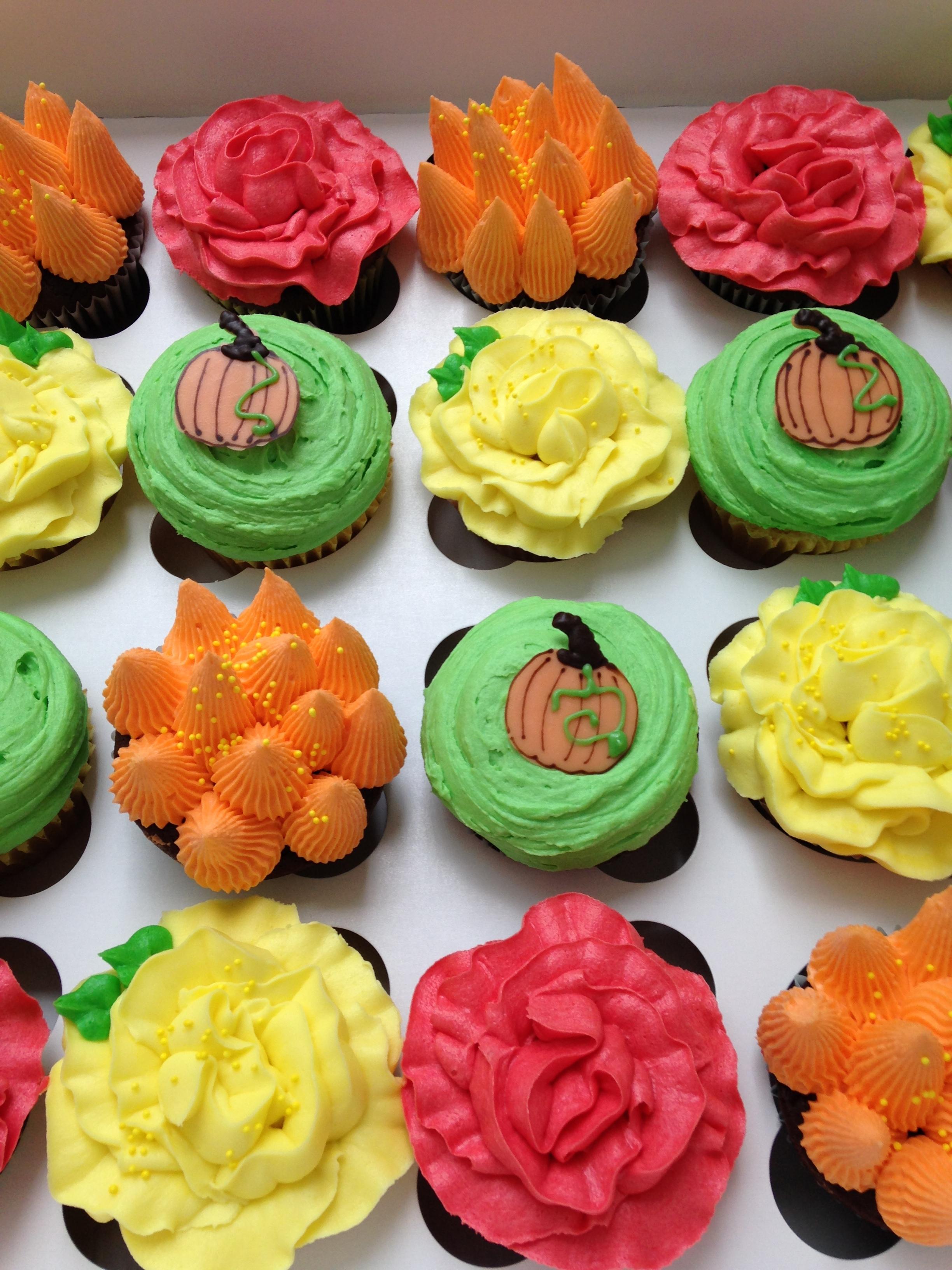 Thxgivingcupcakes.JPG