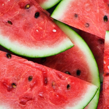 The best low-sugar fruits to eat for weight loss via myBody+Soul